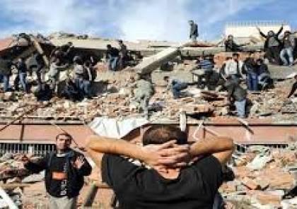 """ارتفاع ضحايا زلزال """"ايران"""" الى 164 قتيلا"""