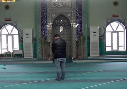 مسلمون يصلون باتجاه خاطئ منذ 37 عاما