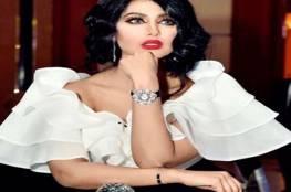فيديو: تمزق فستان ممثلة شهيرة خلال تكريمها