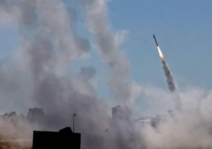 مقتل مستوطن وجرحى.. القسام تقصف تل أبيب بعشرات الصواريخ رداً على مجزرة مخيم الشاطئ