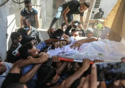 شاهد.. دير البلح تودع جثماني صيادين شقيقين قتلهما الجيش المصري قرب رفح