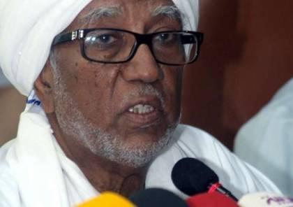 اعتقال رئيس البرلمان السوداني المنحل فور عودته من قطر