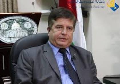 الوزير عواد يستنكر اعتقال اسرائيل مسعف الشهيد بني شمسية