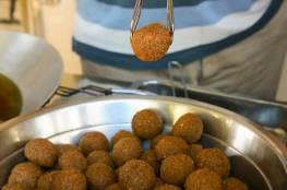 لجنة الرقابة الصحية تجري جولة تفتيشية على مطاعم خان يونس الشعبية
