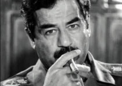 """"""" روايات صادمة"""" هذا ما حدث لمقبرة صدام حسين!!"""