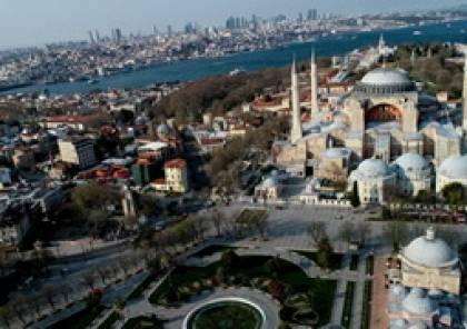 """أردوغان يتحدى """"العليا التركية"""" ويوقع مرسوما يقضي بفتح معلم آيا صوفيا التاريخي كمسجد"""
