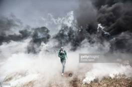 الاحتلال يستخدم غازا مجهولا بحق المواطنين شرق البريج