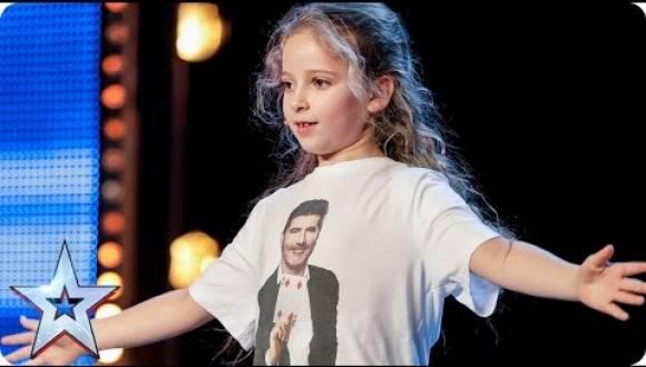 طفلة تبهر لجنة 'Britain's Got Talent' بسحرها !
