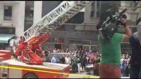 فيديو سيصدمك.. عجوز مغربية تحاول الانتحار من أعلى برج