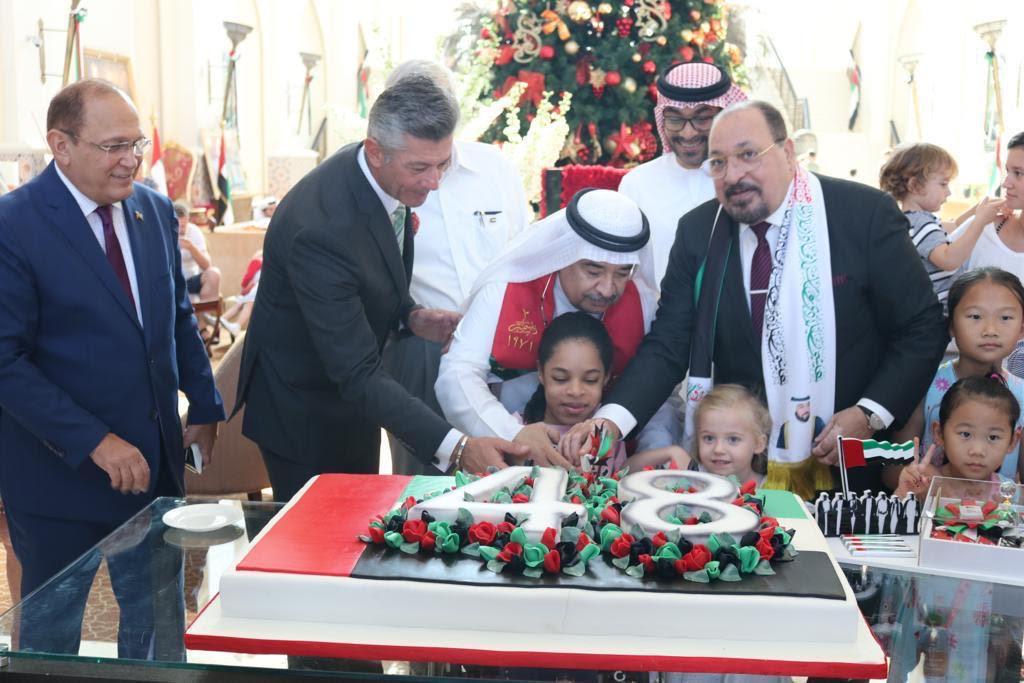 ابو ظبي: فندق باب القصر  يحتفل باليوم الوطني ال 48   - سما الإخبارية