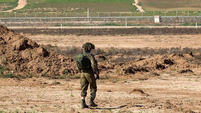 الاحتلال يعيد شابًا إلى غزة بعد تسلله عبر الحدود - سما الإخبارية