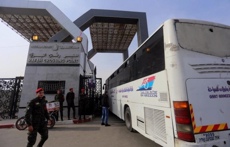 بالأسماء.. آلية السفر عبر معبر رفح ليوم غد الاحد - سما الإخبارية