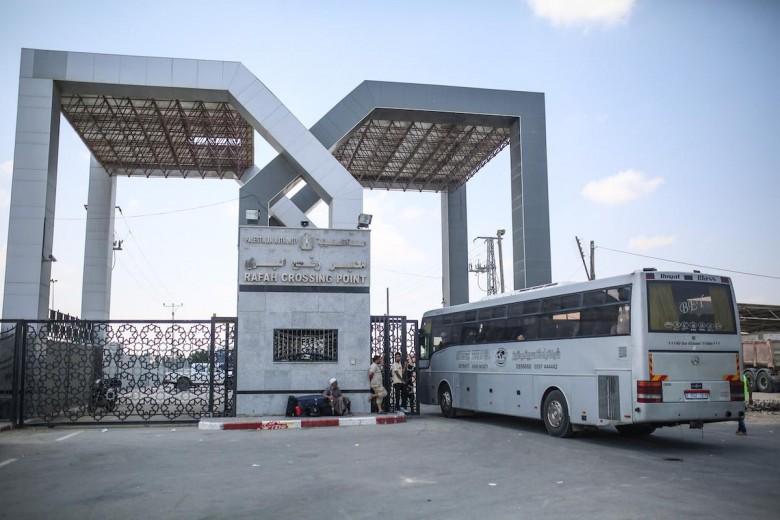مصر : معبر رفح سيفتح للمسافرين العائدين الى غزة والبضائع فقط  - سما الإخبارية