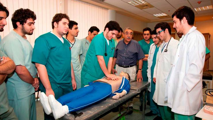التعليم والصحة: لا تراخيص لكليات طب جديدة في فلسطين