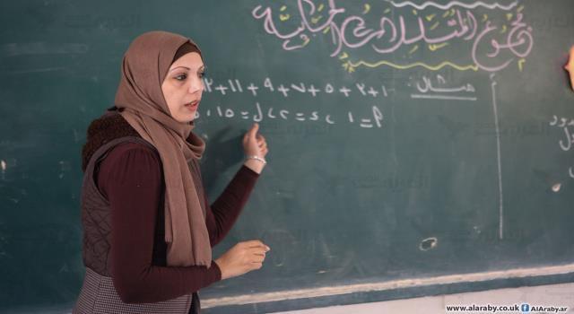 فوز المعلمة رنا زيادة من غزة ضمن أفضل 50 معلم في العالم - سما الإخبارية