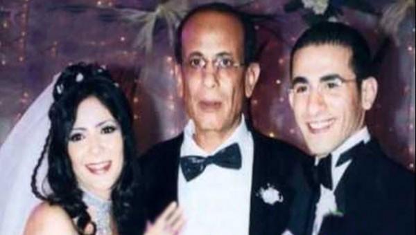 والد  منى زكي  كاد أن يفسد زواجها من أحمد حلمي! - سما الإخبارية
