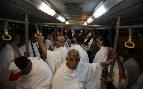 وصول الفوج الاول من حجاج غزة عبر معبر رفح فجراً