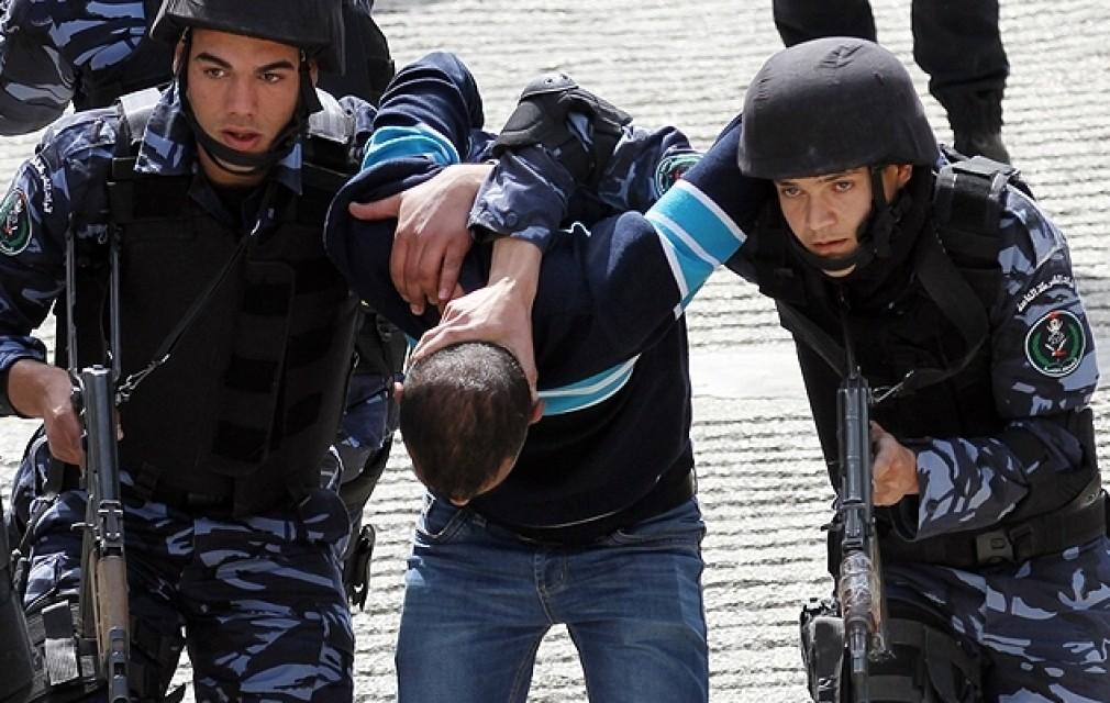 جدل حول اعتقال الشرطة لمفطرين بشهر رمضان في مقاهي رام الله